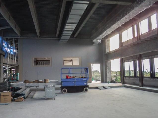 『H271031_庁舎棟4階議場区画壁組状況』の画像