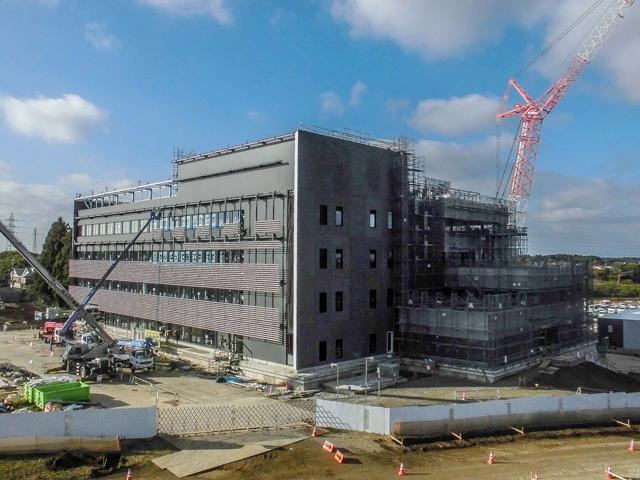 『h271124_庁舎棟全景』の画像