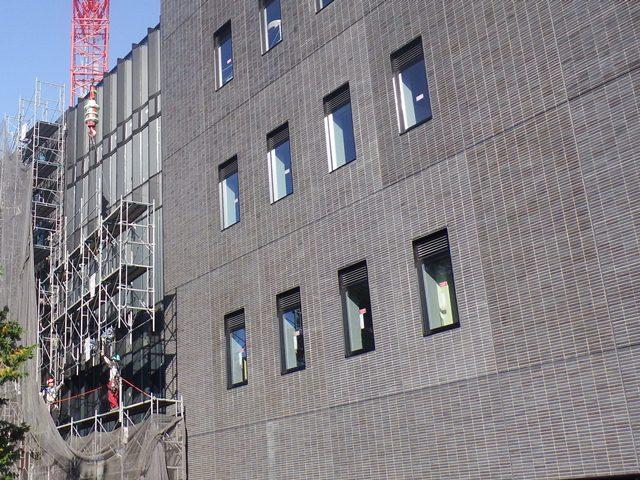『h271201_庁舎棟西側足場解体』の画像