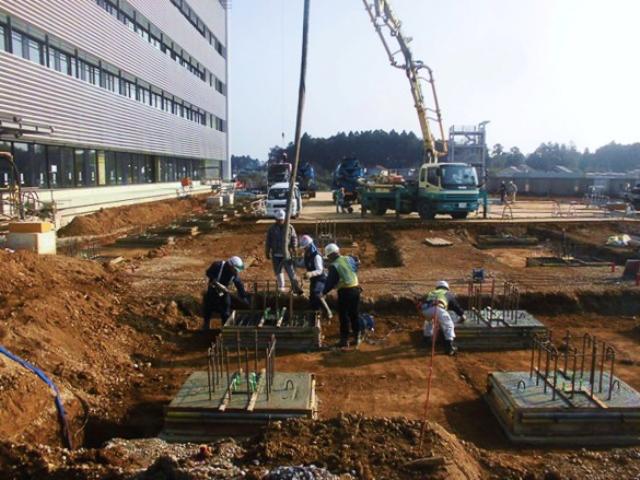 『h271216_庁舎棟大庇基礎コンクリート打設』の画像