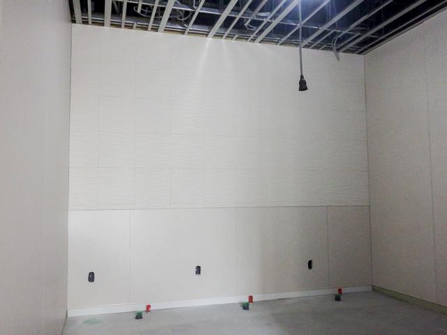 『h280108_庁舎棟2階トイレタイル貼状況』の画像
