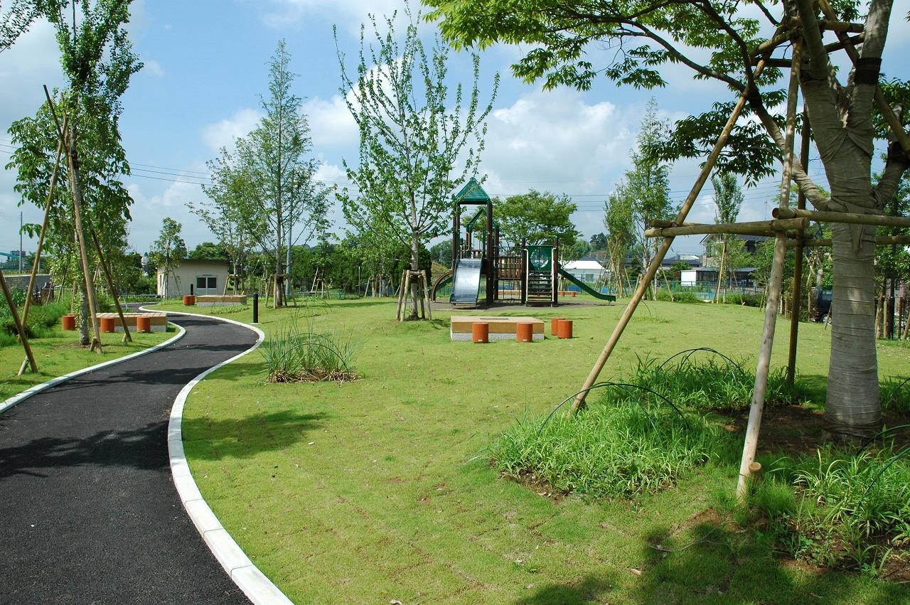 施設:リバーサイド公園(かぼちゃ公園)